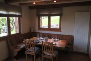 A restaurant or other place to eat at Mayen de l'Art d Vivre