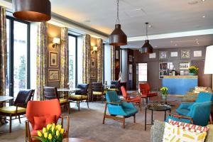 The lounge or bar area at The Editory Artist Baixa Porto Hotel