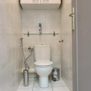 A bathroom at il porto
