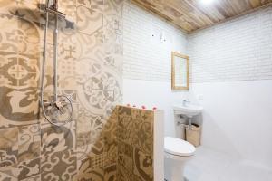 A bathroom at Road Beach Premier
