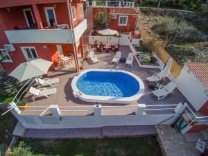 Pogled na bazen u objektu Villa Nostra ili u blizini