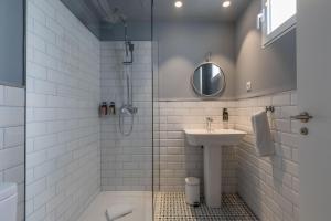 A bathroom at Maison Reina