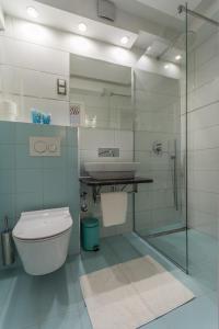 A bathroom at Hotel Porec