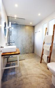A bathroom at Karma Minoan