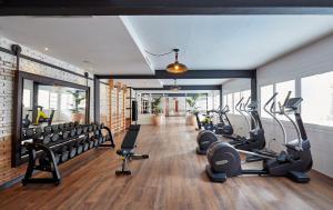 Het fitnesscentrum en/of fitnessfaciliteiten van Gran Hotel Flamingo-Adults Only