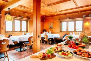 A restaurant or other place to eat at Select Hotel Erlangen