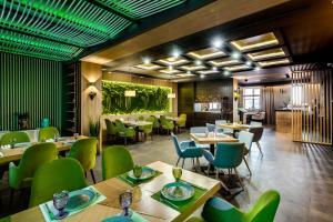 Ресторан / где поесть в Business-Hotel Element