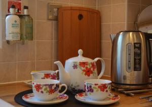 Coffee and tea-making facilities at Little Willow