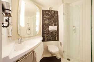 Ванная комната в ibis Jena City