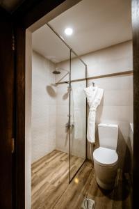 A bathroom at MAZMI CASA