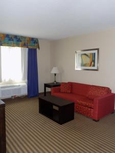 A seating area at Best Western Plus Portage Hotel and Suites