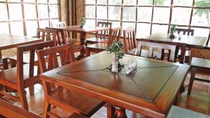 A restaurant or other place to eat at Susan's Place Bed and Breakfast
