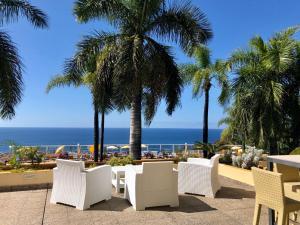 Un restaurante o sitio para comer en Hotel Tigaiga