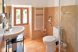 Ein Badezimmer in der Unterkunft Agroturismo Fincahotel Son Pou