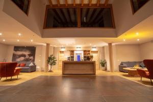 The lobby or reception area at Caminetto Mountain Resort