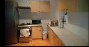 Kuchyňa alebo kuchynka v ubytovaní Accommodation center Kosice-Alžbetina near the hockey arena