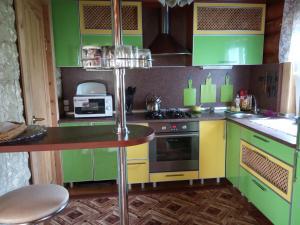 Кухня или мини-кухня в Usadba Domik v Ust'ie