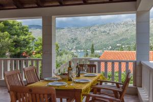 Restaurant ou autre lieu de restauration dans l'établissement Astra Villas