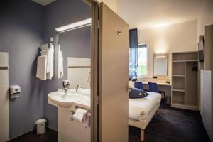 A bathroom at Ace Hôtel Le Mans