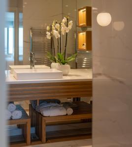 A bathroom at Hotel Bellevue Dubrovnik