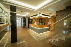 The lobby or reception area at Hotel Diufain