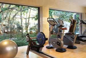 The fitness center and/or fitness facilities at Saxon Hotel, Villas & Spa
