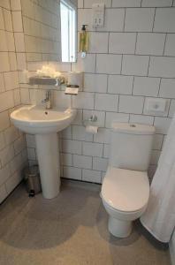 A bathroom at The Brighton Hotel