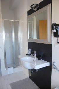 A bathroom at La Locomotiva