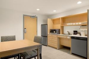Eldhús eða eldhúskrókur á Home2 Suites by Hilton Austin North/Near the Domain, TX
