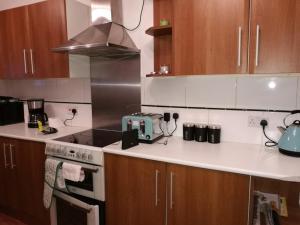 A kitchen or kitchenette at Gillingham Terrace