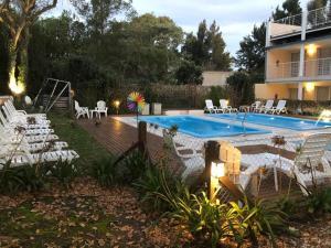 The swimming pool at or near Apart Hotel La Giraldilla