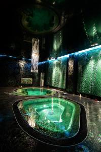 The swimming pool at or close to Business Hotel Matreshka Plaza