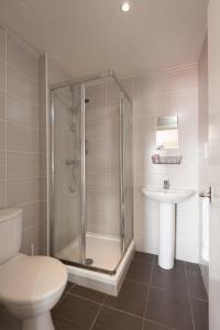 A bathroom at Boreland Lodge Hotel