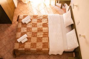 A bathroom at Villa Cariatis