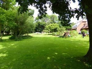 Ein Garten an der Unterkunft Ferienbauernhof Mau