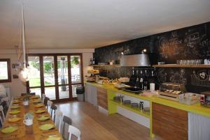 A kitchen or kitchenette at Agriturismo Villa Le Vigne