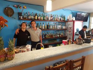 El salón o zona de bar de Anandas Bungalows