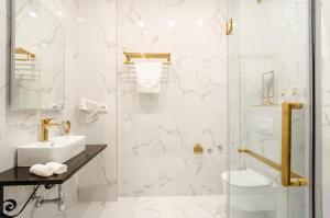 A bathroom at Villa Brandestini