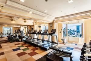 The fitness centre and/or fitness facilities at Imperial Hotel Tokyo