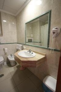 A bathroom at Hotel Joya
