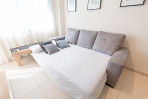A bed or beds in a room at Alicante Hills SIngle Bedroom Courtyard View