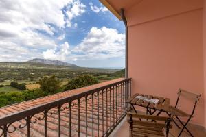 A balcony or terrace at Hotel Ispinigoli