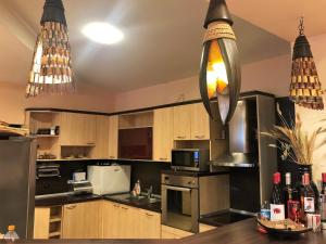 Кухня или кухненски бокс в Ралица Къща за Гости