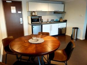 A kitchen or kitchenette at Hampden at Battery Point