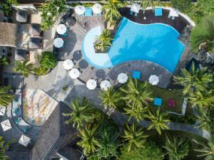 Uitzicht op het zwembad bij Solana Beach - Adults Only of in de buurt