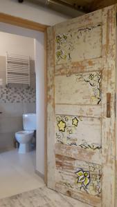 Łazienka w obiekcie Miodowy Kociołek