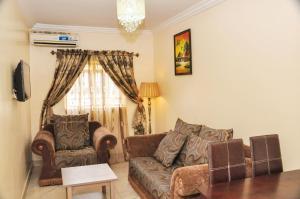 A seating area at Kudina Luxury Apartments