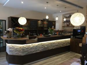 Lounge oder Bar in der Unterkunft Hotel & Restaurant Hessischer Hof