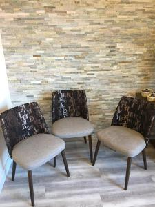 Ein Sitzbereich in der Unterkunft Hotel & Restaurant Hessischer Hof
