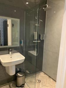 A bathroom at Casuarina Tree